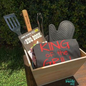 The perfect gift for anyone who loves to grill! Whether it's burgers, hotdogs, kababs... this bundle has what it takes to be the 'King of the Grill'.