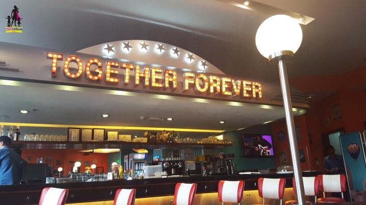 Roadster diner bar